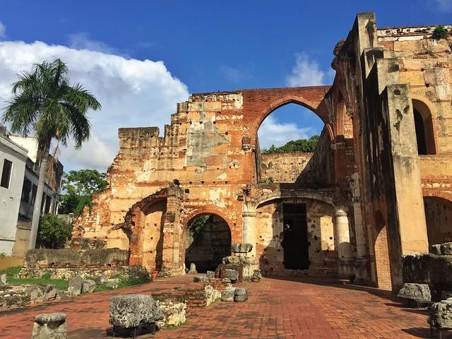 Ruinas del hospital San Nicolás de Bari (Zona colonial de Santo Domingo, República Dominicana)