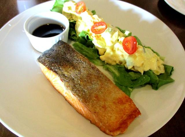 Bistecca & Bistro salmon 1