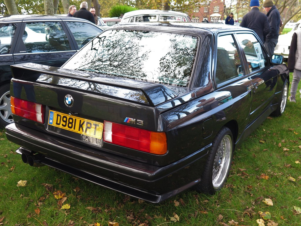 BMW (53) | 1987 BMW M3 (E30) pictured on display at the Sund… | Flickr