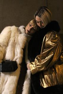 Abbigliamento vintage giacca oro pelliccia borse