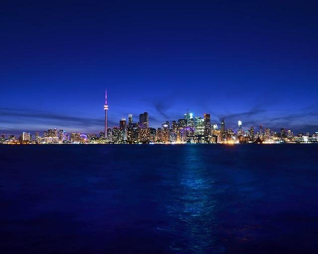 La hora mágica de Toronto desde Ward's Island, en Canadá