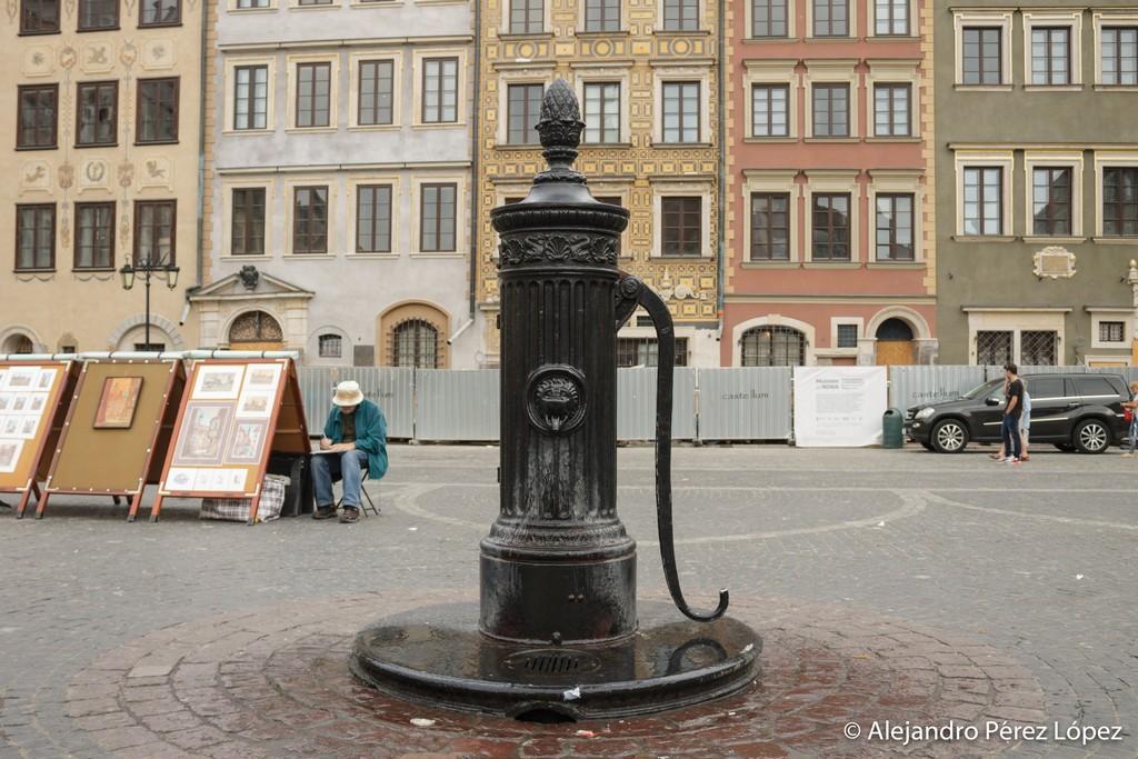 Fuente en la plaza del casco viejo