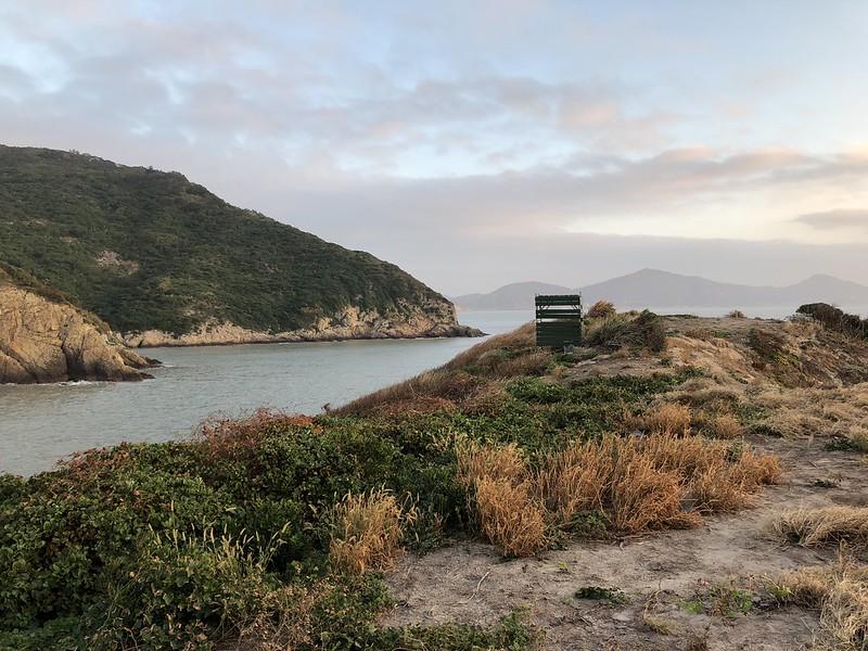 黑嘴端鳳頭燕鷗重要棲地鐵尖島,每年繁殖季禁止登島。島上設置簡易的觀測站。攝影:廖靜蕙