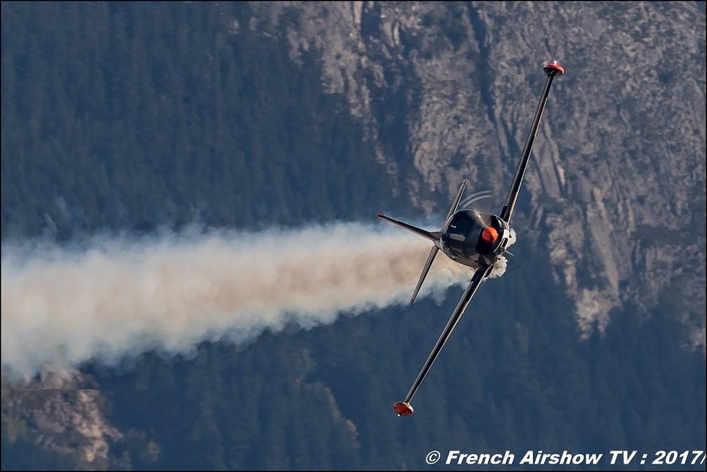 Senheiser Aviation Headsets SIAI-Marchetti SF-260 D-EDUR , Breitling Sion Air Show 2017 , sion airshow , montagne , Alpes suisse , Canton du Valais , Meeting Aerien 2017