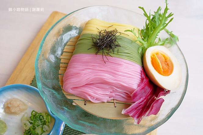 24557796448 b818ca4111 b - 錦小路物語 | 窩藏巷弄內的日本食堂,食尚玩家推薦 冬季限定的療癒系煤炭精靈甜點真的超可愛!