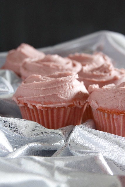 Millennial Pink Cupcakes