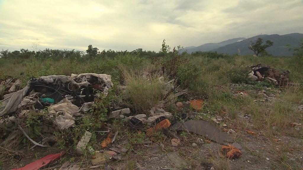 932-1-10 打造台東迪士尼的計畫,終究沒有實現,但是濕地區域已遭破壞,甚至成為垃圾棄置場。
