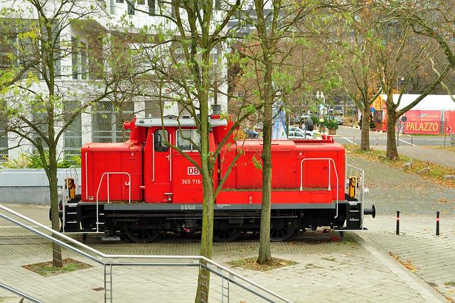 Technoseum Mannheim Außenanlage Parkanlage ... Diesel-Rangier-Lok_BR 365 ... November 2017 ... Fotos: Brigitte Stolle