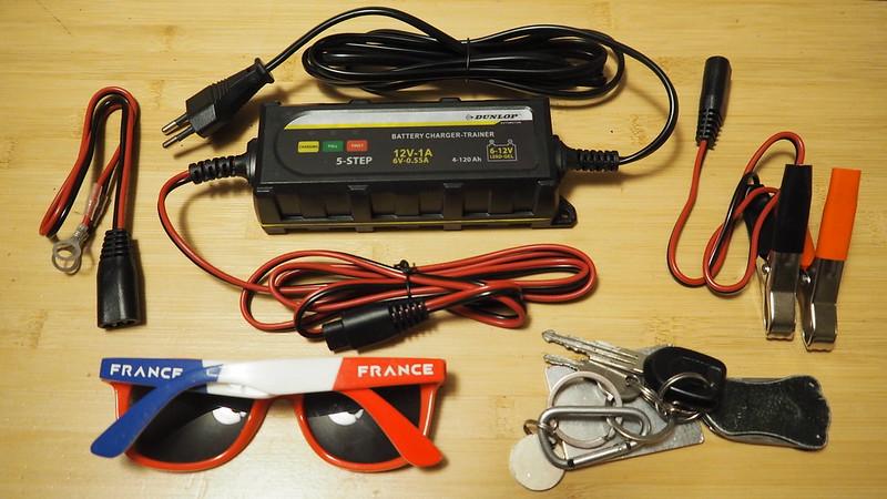 Regulateur de charge batterie Dunlop chez Action à 10 balles 37906755245_7252644df5_c