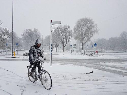 fun Just Holland #snow #fietsen...