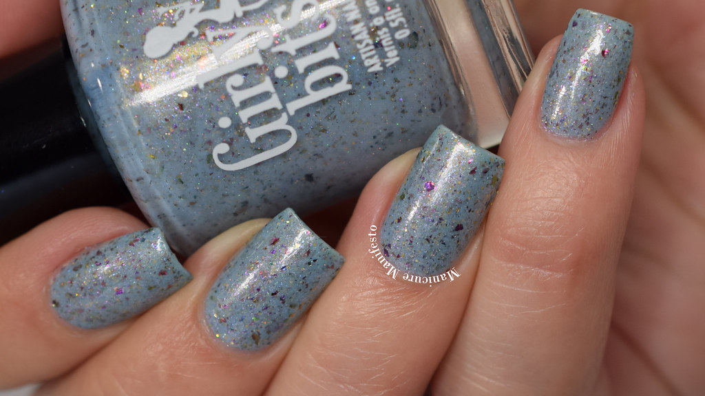 Girly Bits Fantasmic Flakies swatch