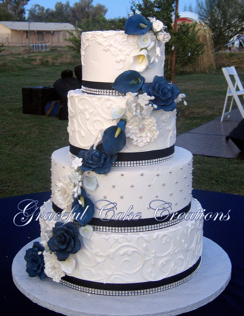wedding cake navy blue and white white butter wedding cake with navy blue rib 23304