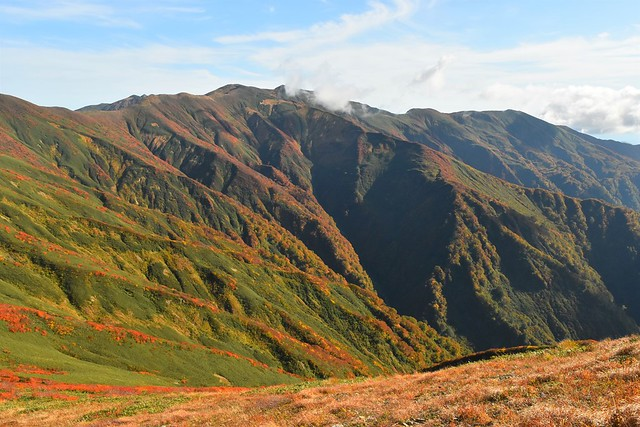紅葉の朝日連峰