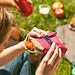 sandwich-wrapper-bocnroll-pink-outdoor