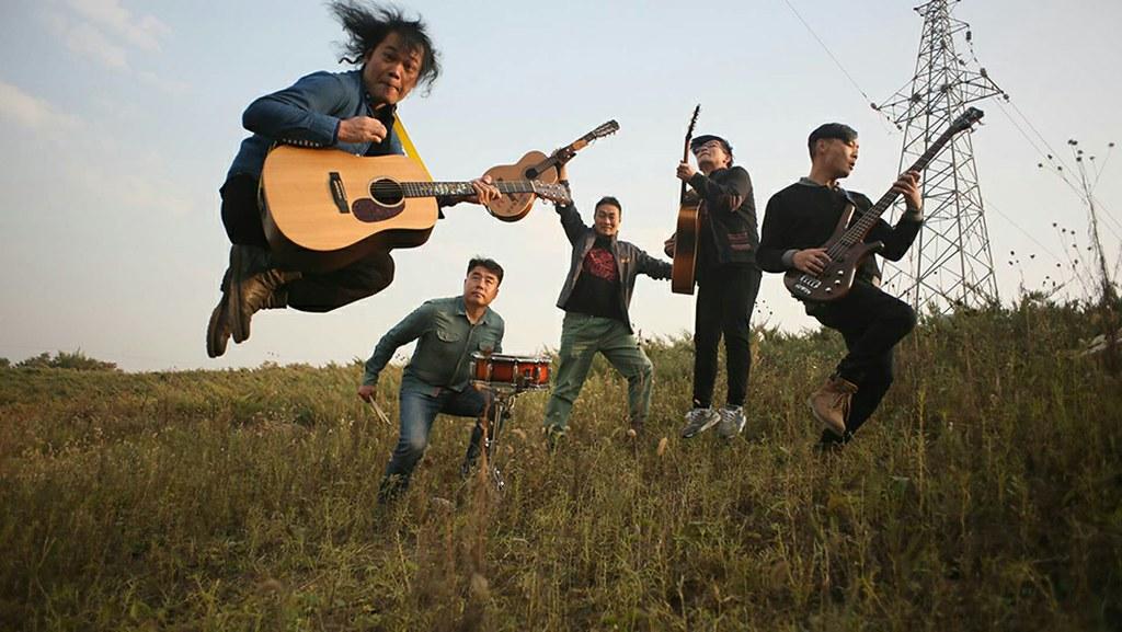 新工人藝術團展開「大地民謠巡演」活動。