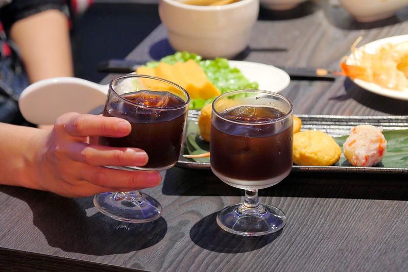 24998246698 6fcd6d7f40 c - 熱血採訪│星巴客咖啡免費無限暢飲在哪裡?日本和牛大賽冠軍的宮崎牛通通在台中悅上引鍋物料理,早上八點半就可以大快朵頤了!