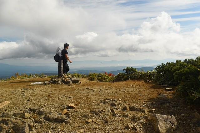 小朝日岳山頂