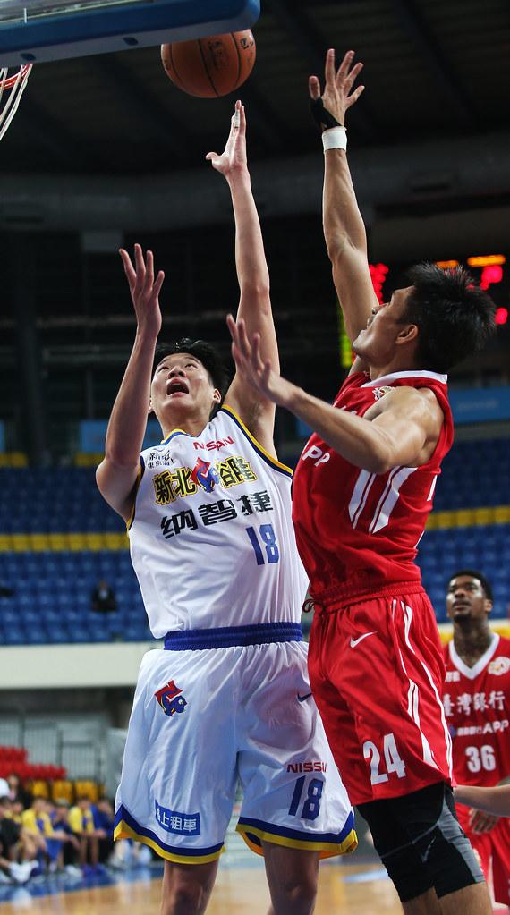 吳怡斌(左)。(籃協提供)