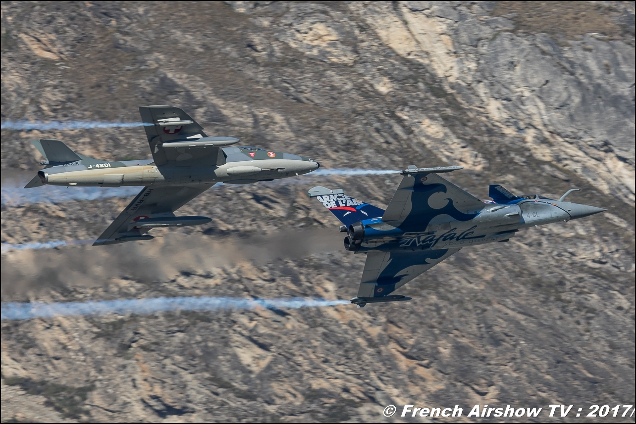 rafale solo display 2017 , Smokewinder , & Hunter T.Mk.68 - Amici Dell'hunter , HB-RVR , J-4201 , Breitling Sion Air Show 2017 , sion airshow , montagne , Alpes suisse , Canton du Valais , Meeting Aerien 2017