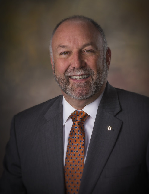 A headshot of Auburn University President Steven Leath