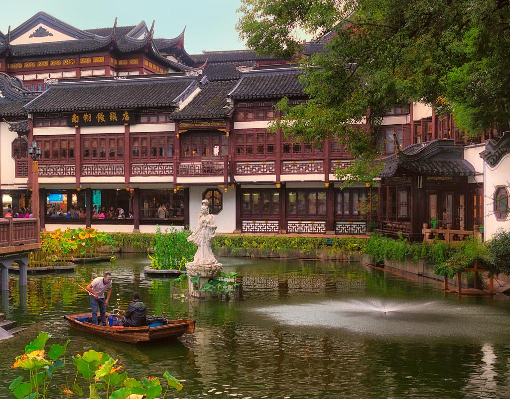 Yu Garden, Shanghai | PUBLISHED: www.neverstoptraveling.com/… | Flickr