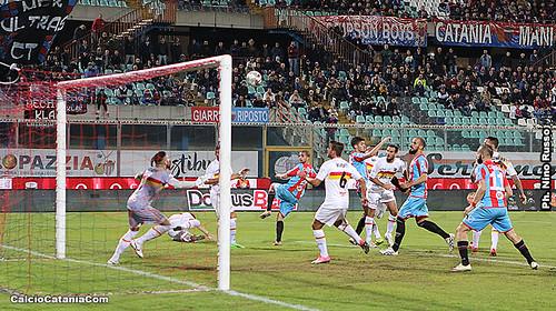 Catania-Catanzaro 1-0: rossazzurri a -5 dal Lecce