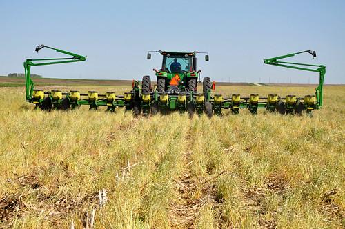 Saving Money, Time and Soil: The Economics of No-Till Farming | USDA