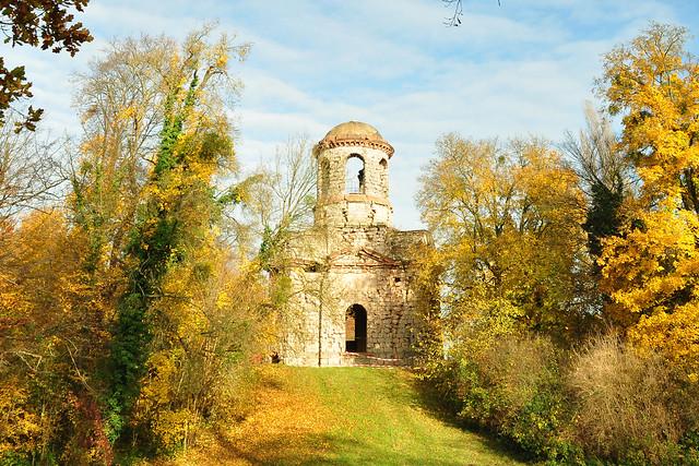 Impressionen Schwetzinger Schlossgarten November 2017: Künstliche Ruinen, Minerva-Tempel, weiße Brücken, Laubengänge ... Brigitte Stolle Mannheim