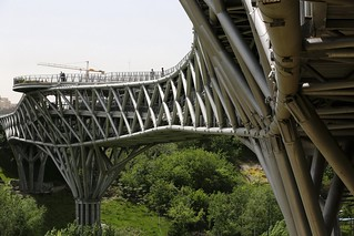 Diba Tensile Architecture - Tabiat Pedestrian Bridge - Photo 04 | by 準建築人手札網站 Forgemind ArchiMedia