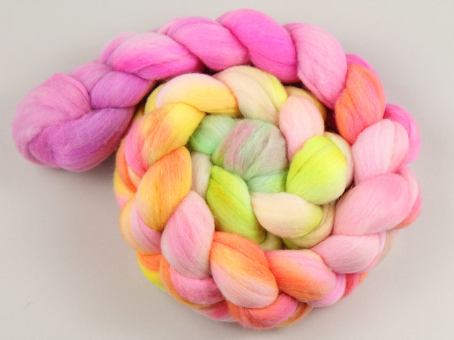 Hand Dyed Ultrafine Merino Combed Top/Roving Spinning Fibre 100g – 'Neon Fade' (rainbow gradient braid)