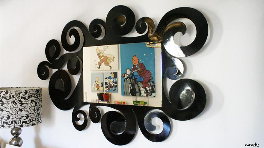 espejo de diseño en el salón