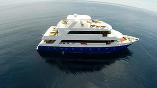 Manta Cruise vida a bordo en Maldivas