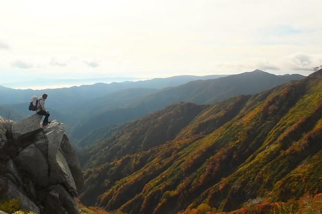 大朝日岳~小朝日岳途中の岩場
