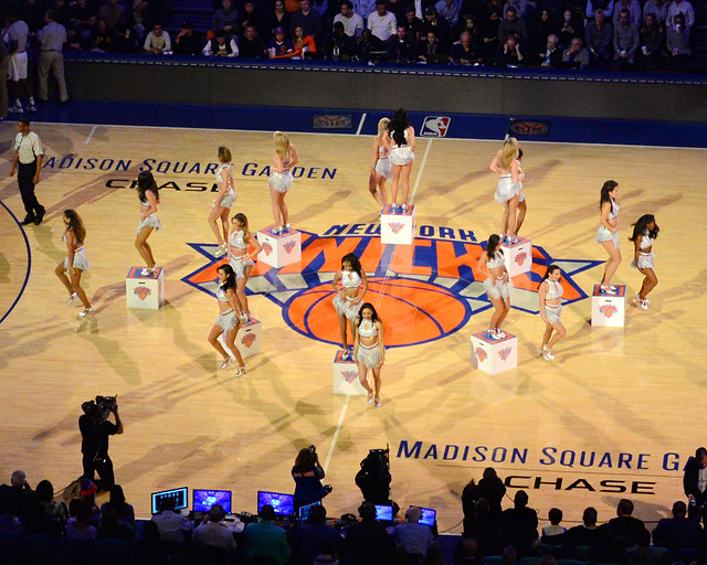 Famosas cheerleadears de la NBA en el estadio de los Knicks