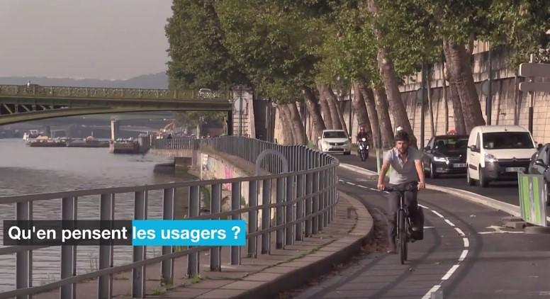 繼引領風潮的公共單車系統後,巴黎近來加速擴建禁行汽車的自行車專用道。截圖自影片。