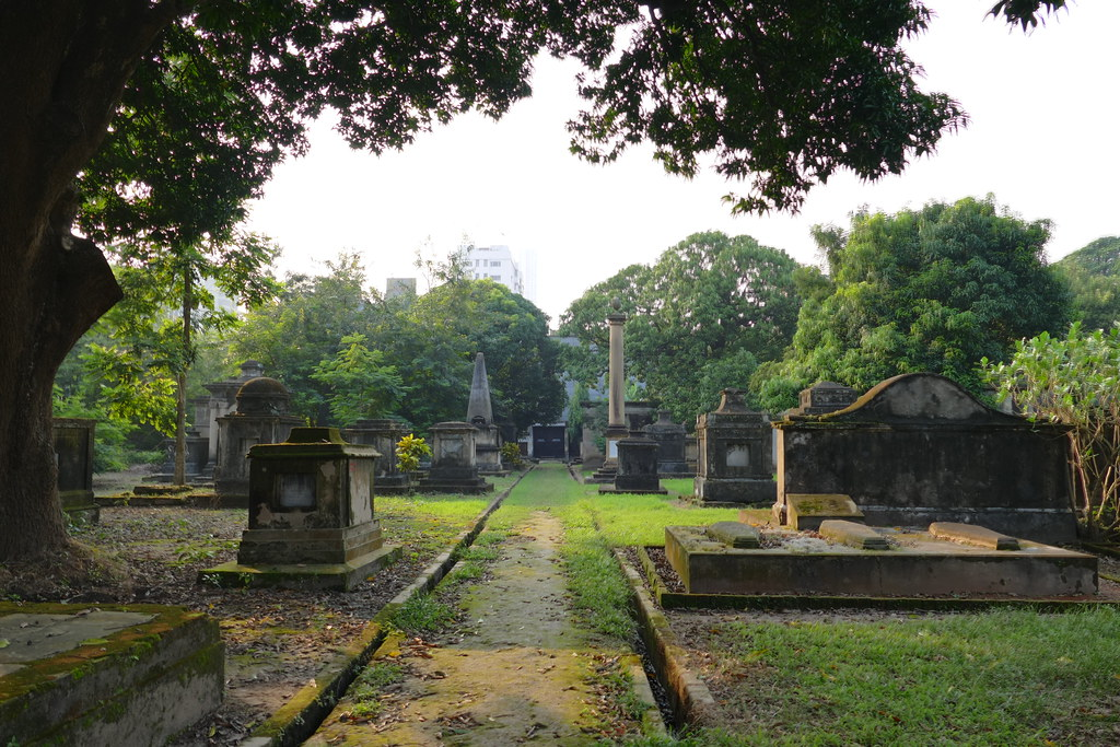 fun things to do in kolkata park street cemetery
