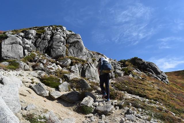 朝日連峰 登山道の花崗岩