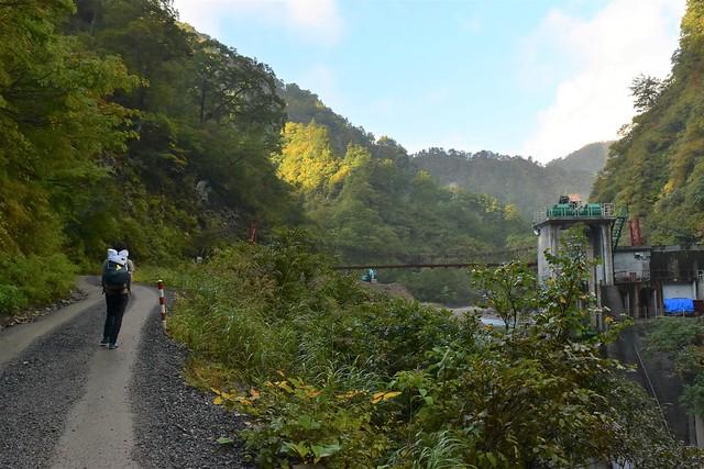 泡滝ダム・大鳥登山口から登山開始