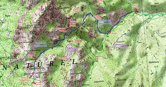 """Carte du Haut-Cavu avec l'ensemble du ruisseau du Finicione et le tracé du """"Chemin de la Montagne aux Plages"""" (Castedducciu) par la rive gauche et sa variante par la rive droite"""