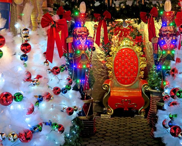 Asiento de Santa Claus en la casa de Lucy Spata en el barrio de Dyker Heights
