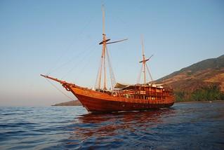 Damai II barco de buceo liveaboard en Indonesia