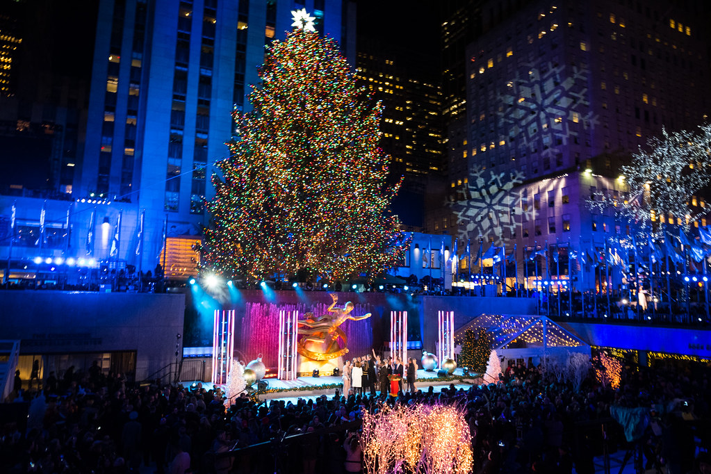 nyc mayor bill de blasio attends the lighting ceremony for the rockefeller center christmas tree on