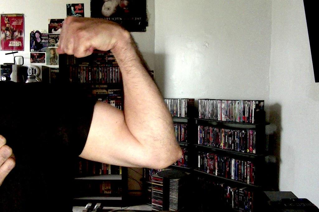 Fetish biceps flex