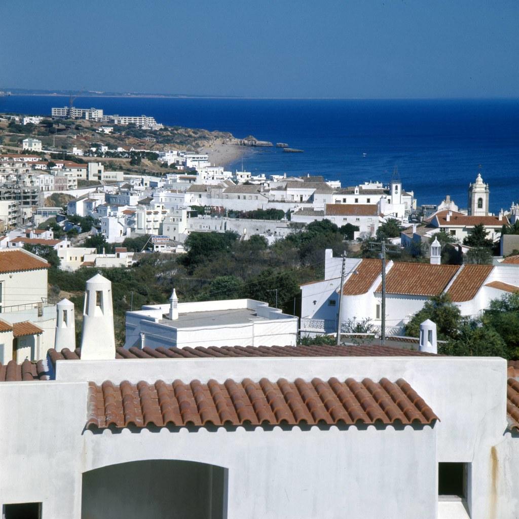 Albufeira. Algarve (A. Pastor, 198...)