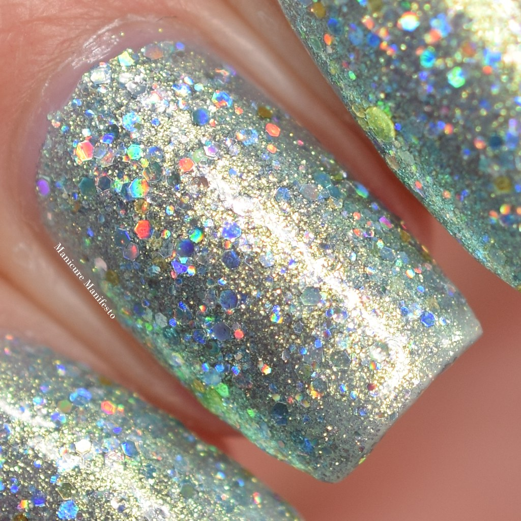 Femme fatale Maze Of Mirrors swatch
