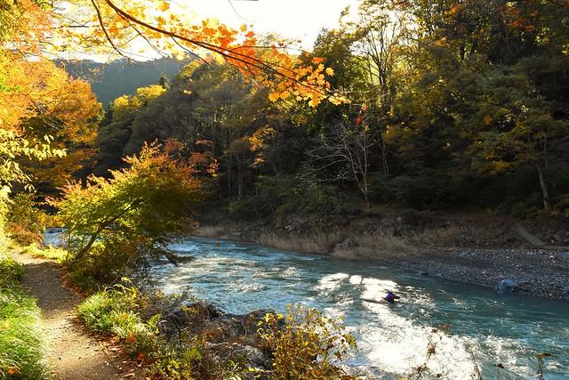 紅葉の御岳渓谷ハイキング