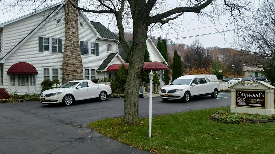 Lincoln Funeral Cars A 2017 Lincoln Mks Flower Car Conver Flickr