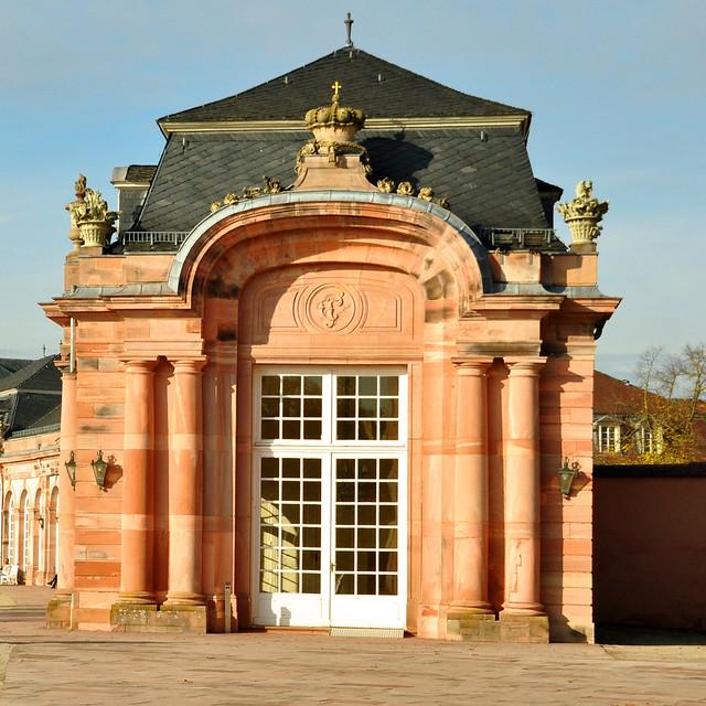 Schloss und Schlossgarten Schwetzingen, eine barocke Sommerresidenz ... Foto: Brigitte Stolle