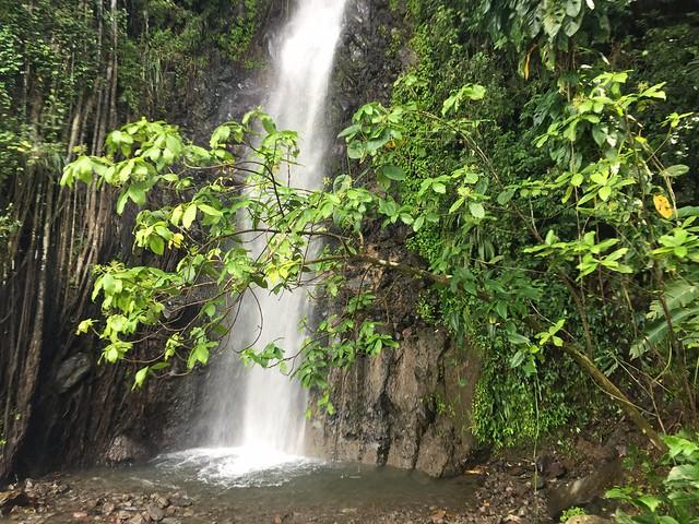 Cascada en la isla de San Vicente (Dark Falls)