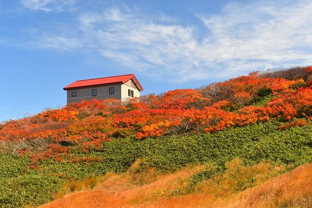 朝日連峰 紅葉と狐穴小屋